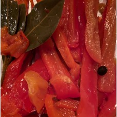 Sweet Pepper Slices. Marinated with bay leaves and juniper berries. 130g Pouch</span>